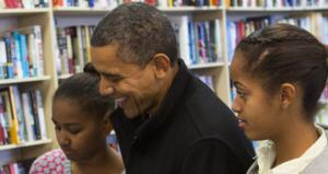 President Obama &amp; Daughters Indie Bookstore Small Business Saturday