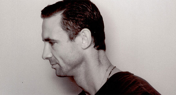 chuck palahniuk writing essays free